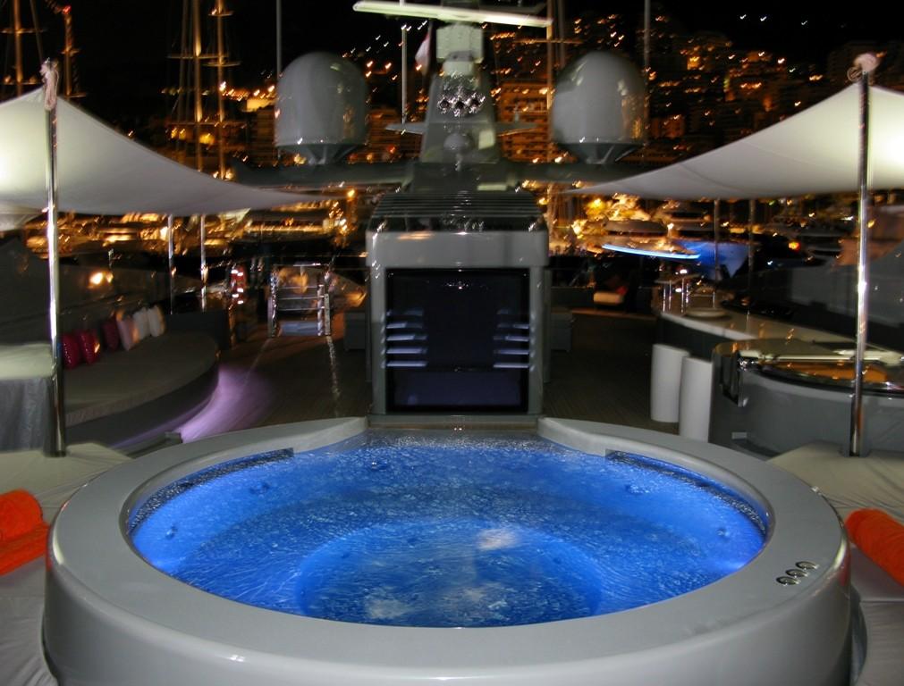 jacuzzis de lujo fontaneros en madrid 8 en barco