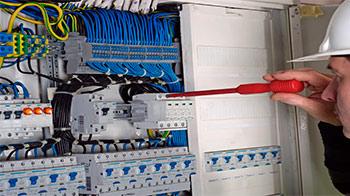 Electricistas urgentes en madrid 630443660 - Electricistas en madrid ...